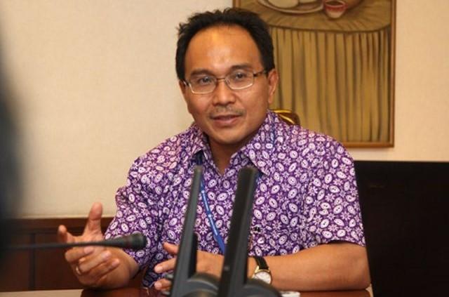 Budiman Tanuredjo – Bahas Revisi UU Pemilu, Koalisi di DPR Terbelah