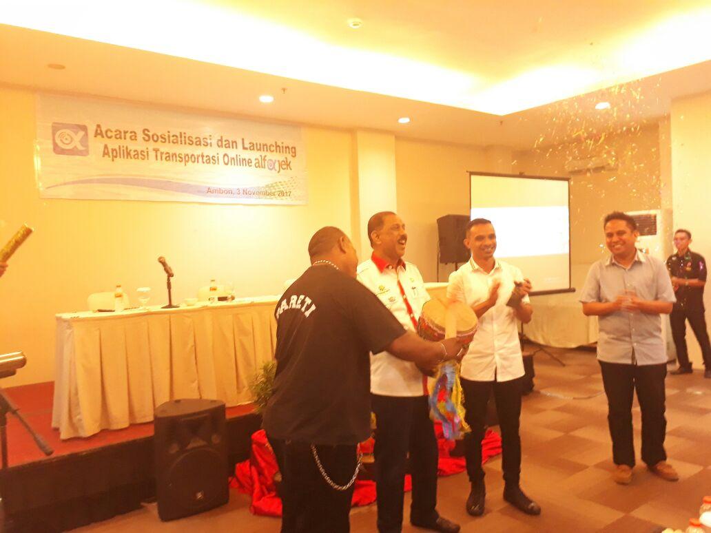 2018 Semua Desa di Ambon Harus Miliki Warung Internet