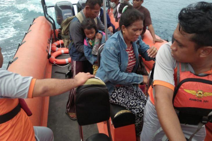 SAR Ambon Evakuasi KM III Bersaudara